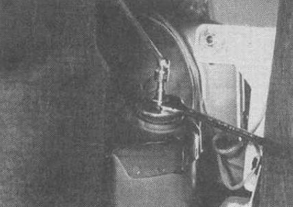 Как снять задний амортизатор Мерседес W210